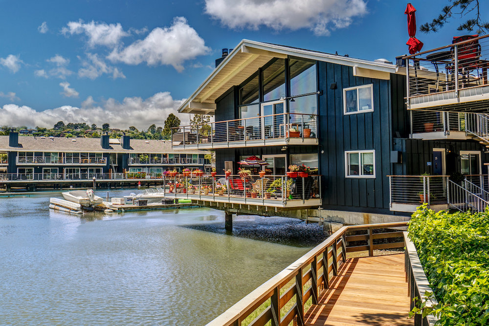 The Cove at Tiburon offers Marin charm, waterfront living, resort-style amenities and top service