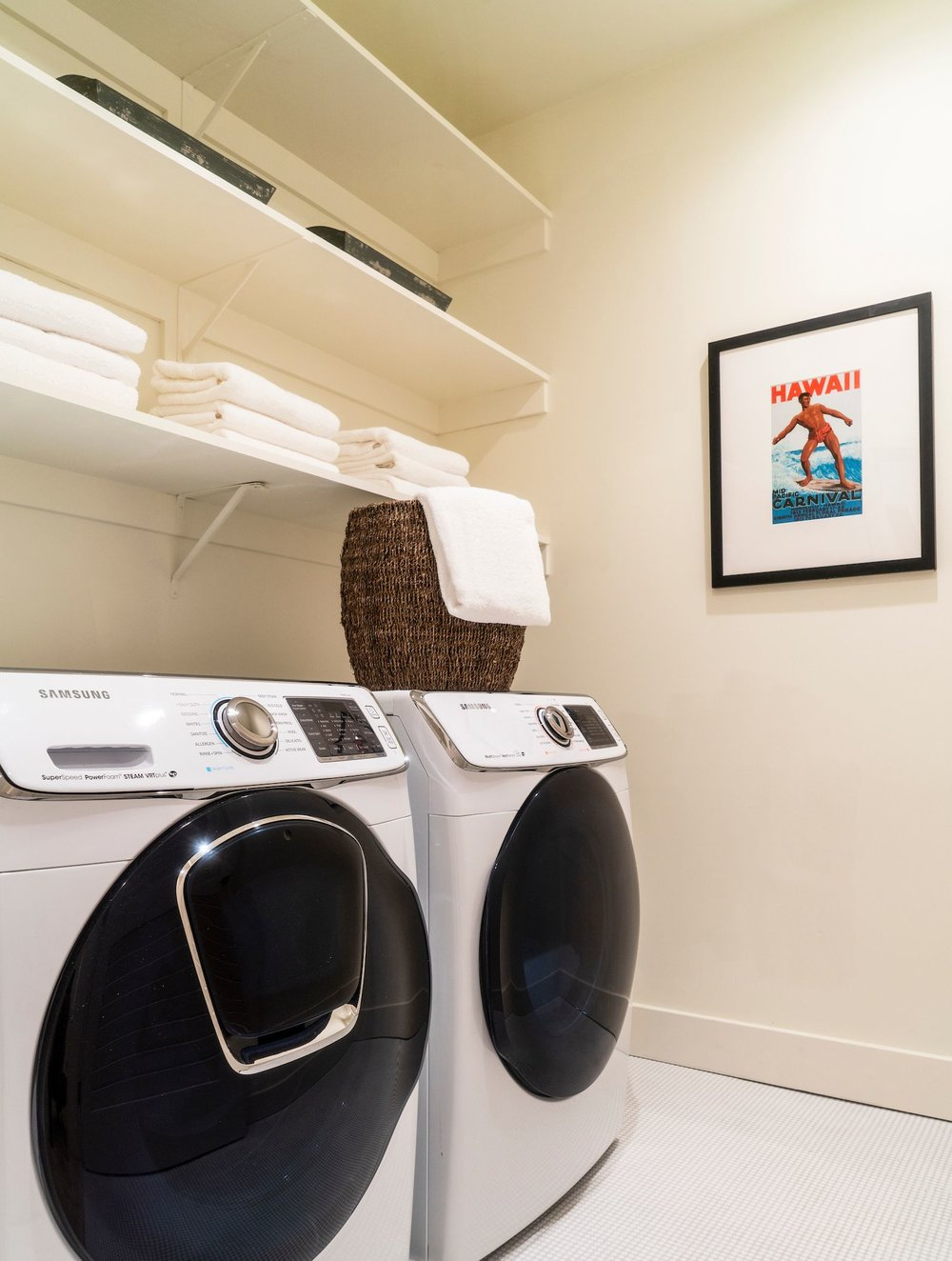 Maximus_The Pointe at Cove_4Bdrm_In Home Laundry Full Size Washer and Dryer_1207_184026.jpg
