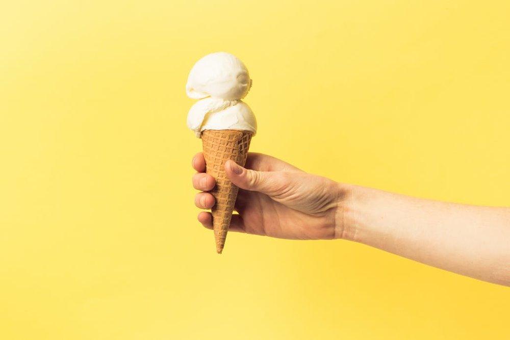 Ijstaarten en -specials - Iets te vieren? Wij maken je ijstaart of -stronk op maat.