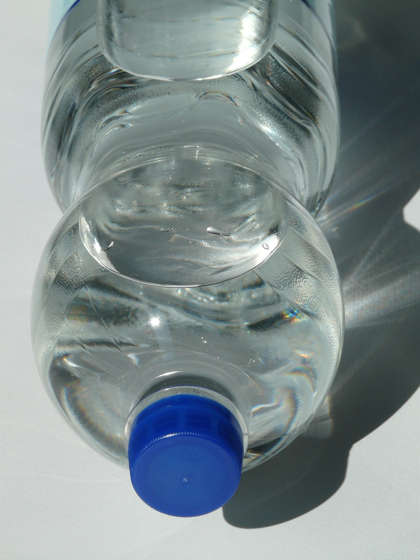 plastic-bottle-60472_1920