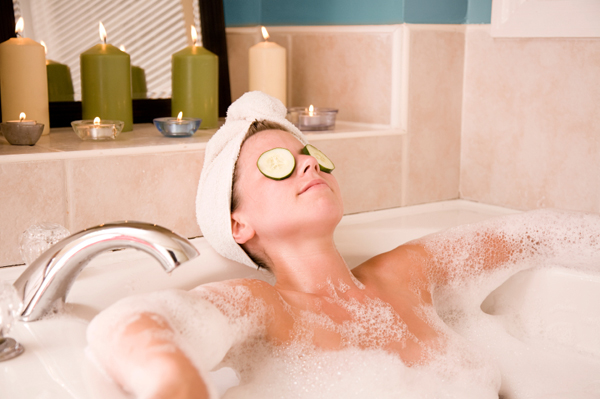 woman-in-bubble-bath-with-candles