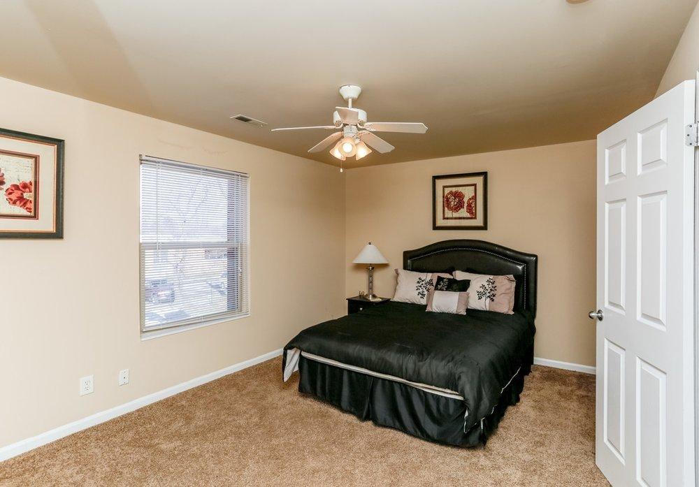 buckridge-at-southport-indianapolis-bedroom.jpg