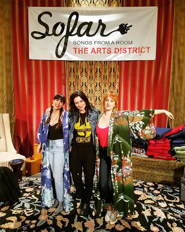 It's because of communities like @sofarsounds that we get to share our songs with music lovers all around the world 🌍 thank you for creating such a killer platform! It also allows us to share the stage with badass musicians like this fiery lady @n.tayeb 🔥 thank you for all your support @sofarsoundsla 🙌🏾🙌🏼 #badassladies