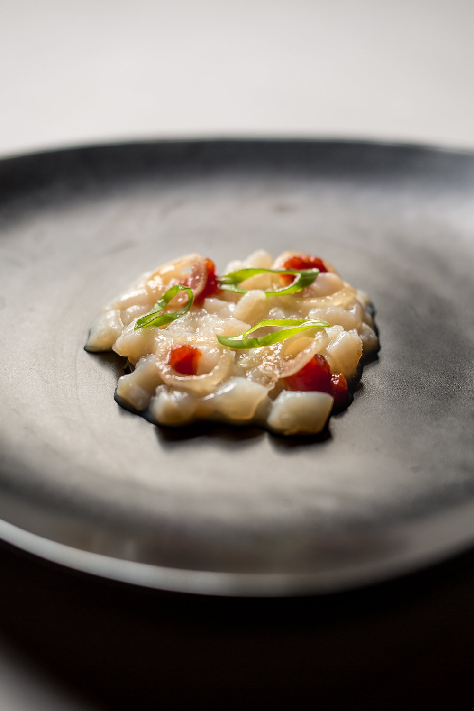 Scallop Tartare, Spring Onion, Tomato Jam, Béarnaise