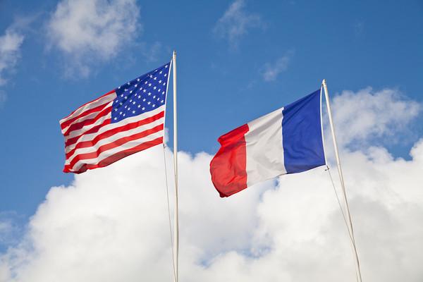 ASSISTANCE BILINGUE POUR LES AGENTS  Pour les professionnels de l'immobilier, communiquez efficacement avec vos clients grâce à nos services d'accompagnement et de traduction anglais/français.