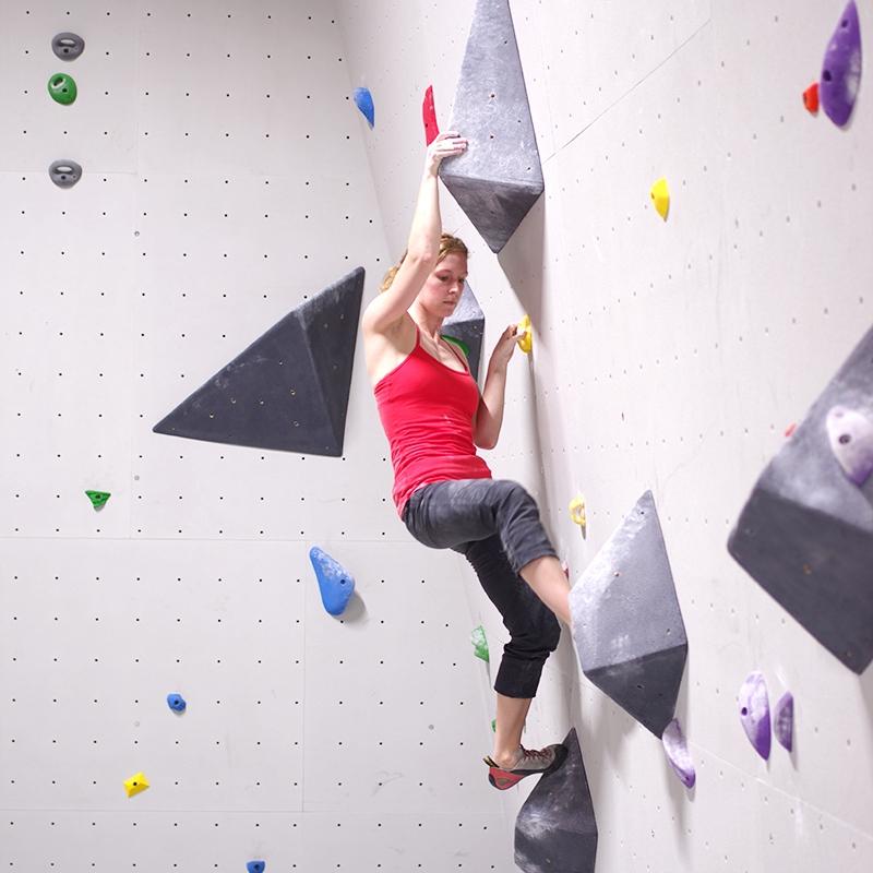 Jess climb voilume.jpg