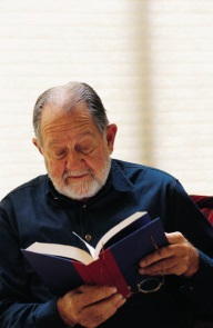 2015-0505-older-man-reading.jpg