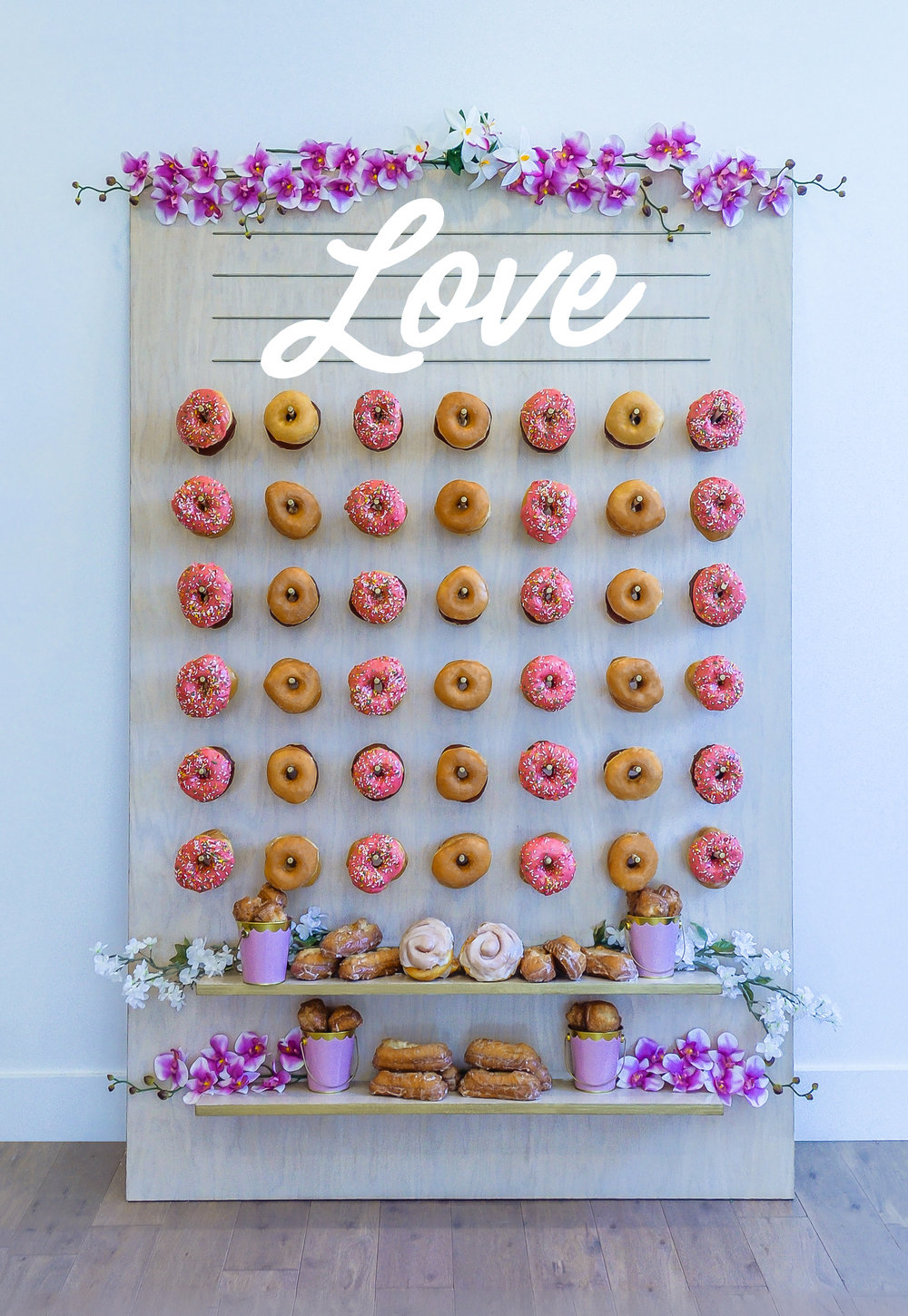 Wedding Donut Wall Ideas || Primo's Donuts Los Angeles