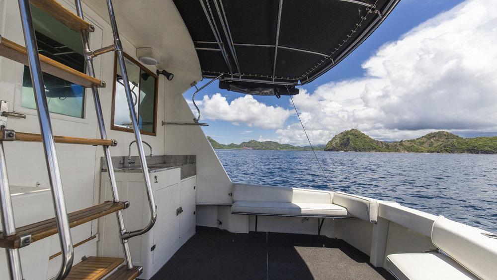 Plataran_Nusantara_Yacht_Daily_Trip_Flores2.jpg