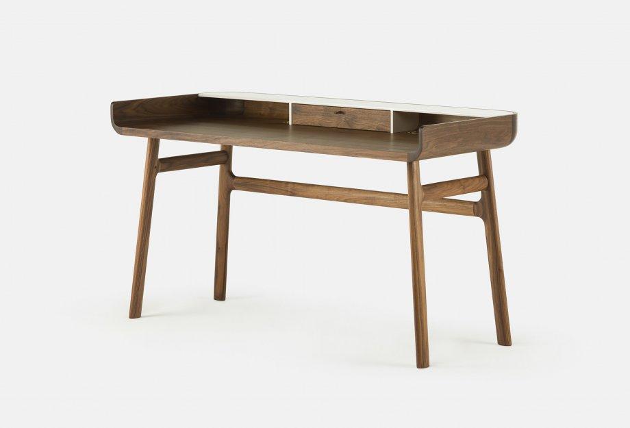 Harold_Desk_by_Nichetto_in_walnutweb_920x625.jpg