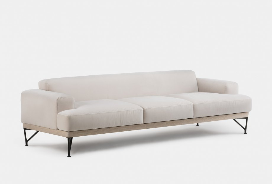 386L_Armstrong_3_Seater_Sofa_by_Matthew_Hilton_in_white_oiled_ash_and_Harald_2_212_fabricweb_920x625.jpg