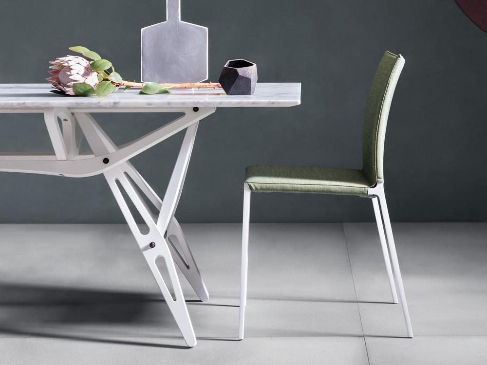 chaplins-zanotta-reale-dining-table-marble-02.jpg
