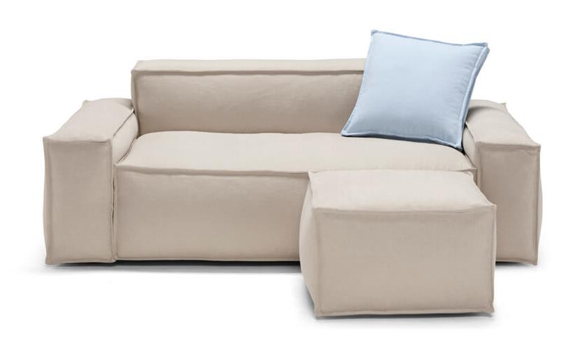 davis-am004-front-divano-in-pelle-con-pouf.jpg