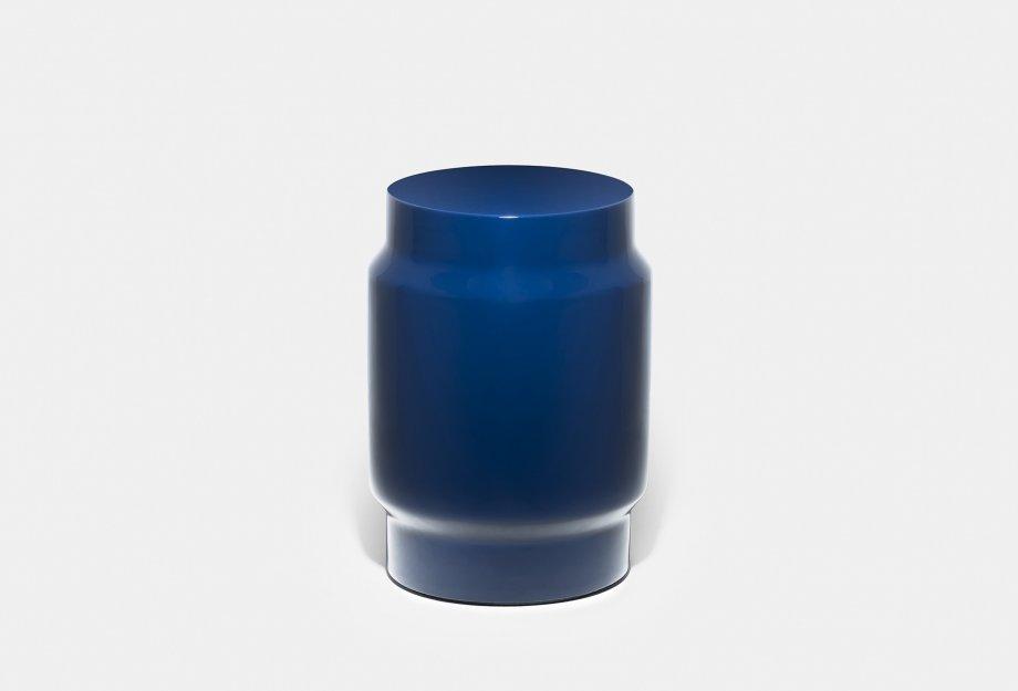 761T_Lianou_Stool_by_NeriHu_in_blue_fibreglassweb2_920x625.jpg