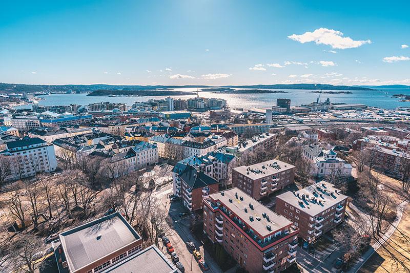 Byens beste utsikt - 360 grader med utsikt! Over bakken er bygget 17 etasjer med spektakulær utsikt allerede fra 5. etg.