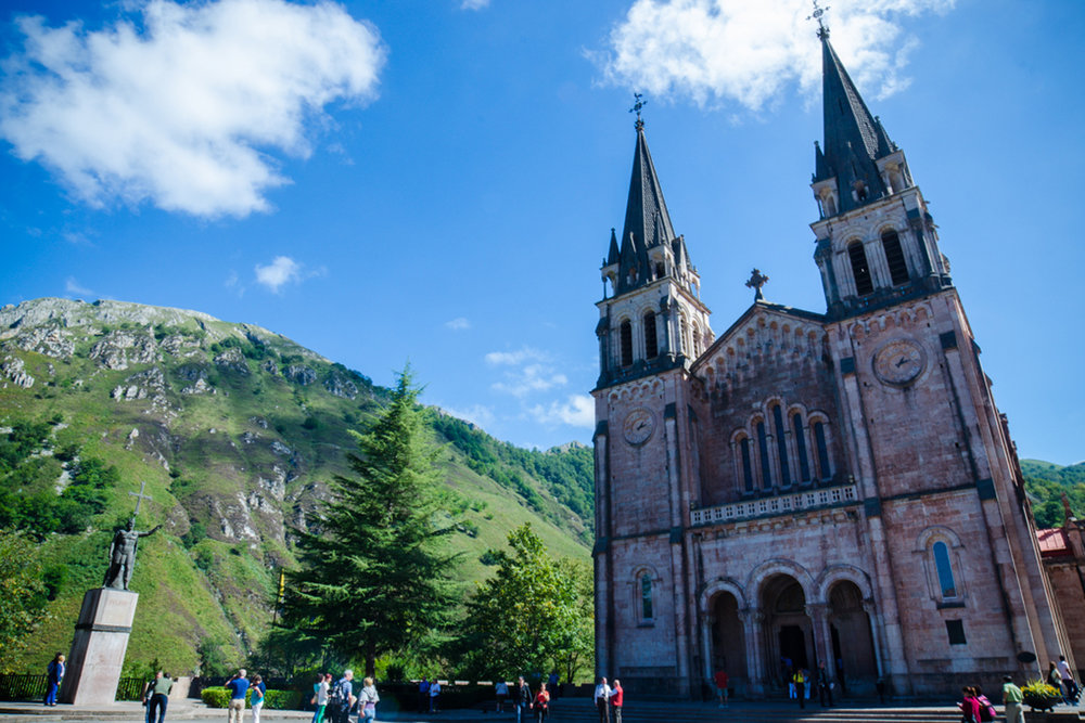 Santuario de Covadonga, Picos de Europa (Asturias)