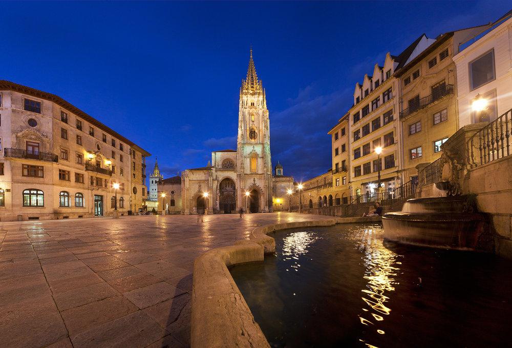 Qué ver en Oviedo - Catedral de San Salvador. Foto: Turismo de Asturias - Tomás Miñambre.