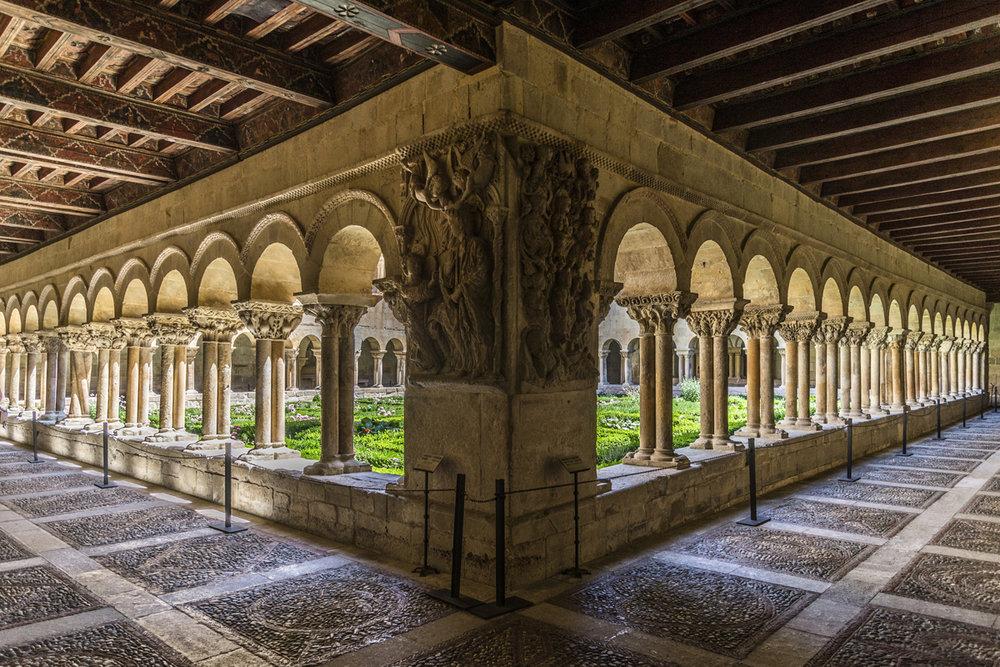 Monasterio de Santo Domingo de Silos (Burgos) - Claustro.