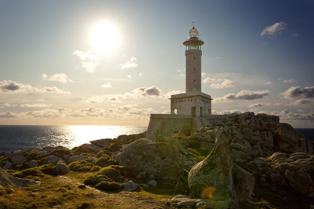 Los faros más bonitos de España - Punta Nariga (Galicia).