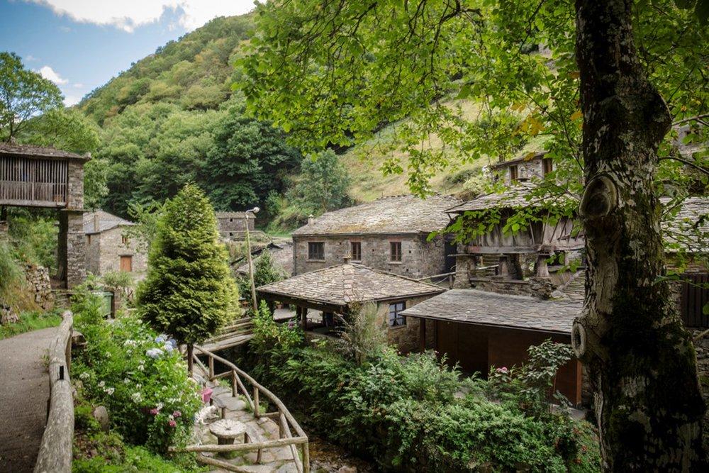 Cinco de los pueblos más bonitos de Asturias - Os Teixois (Taramundi)