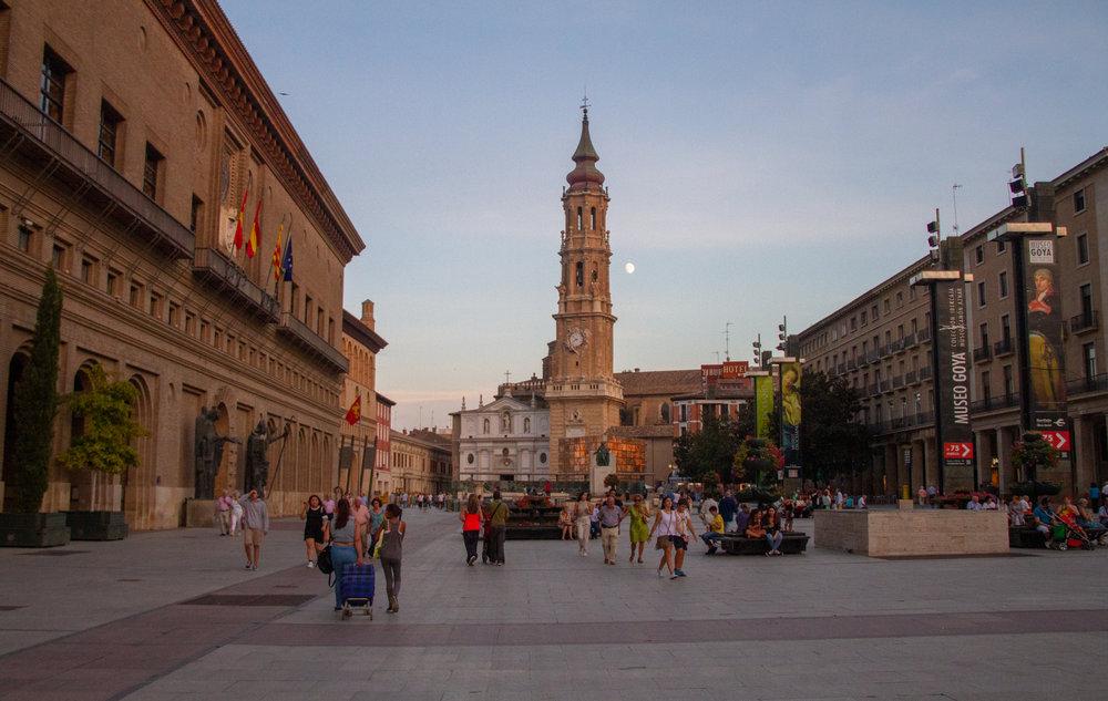 Qué ver en Zaragoza - Plaza del Pilar