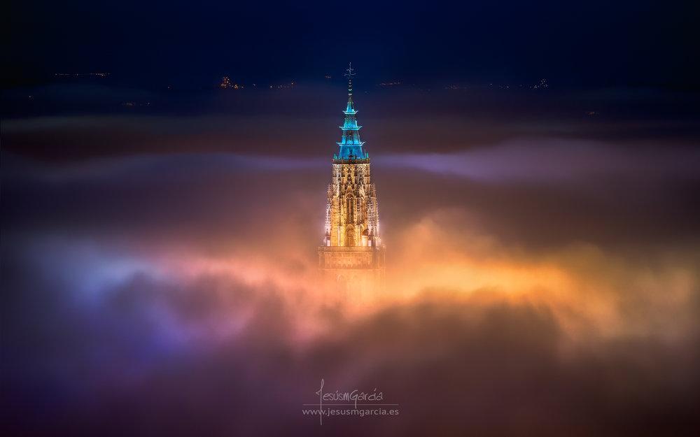 JesúsmGarcia_Toledo_City_Foggy_Night_2048.jpg