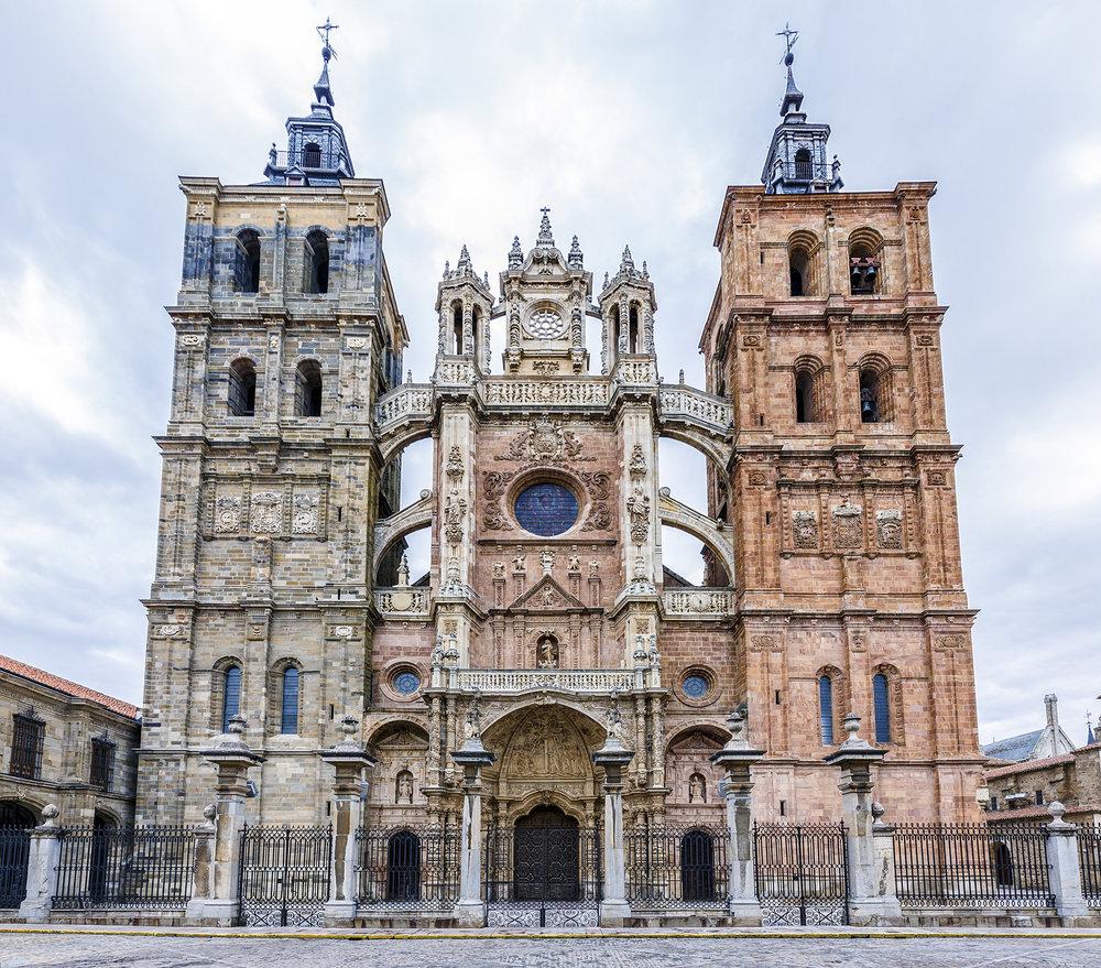 Qué ver en Astorga - Catedral de Santa María | Foto:  Venemama | Dreamstime.com