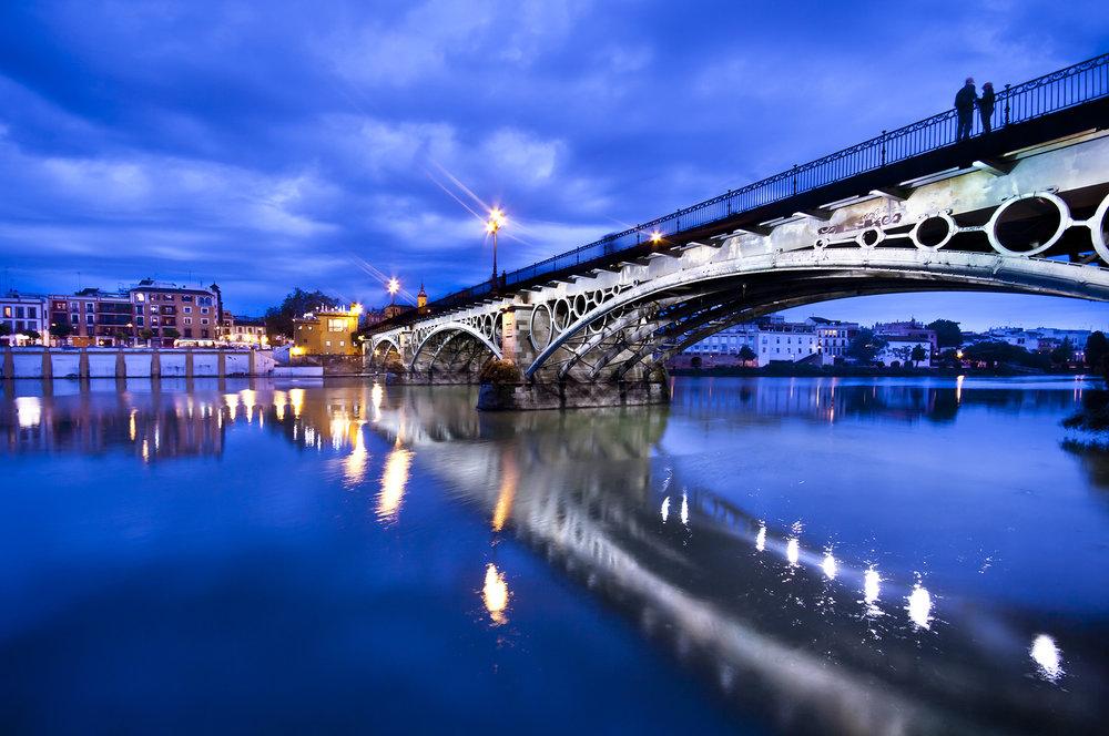 Los puentes más bonitos de España. Puente de Triana (Sevilla) |  Foto: Kasto80 | Dreamstime.com