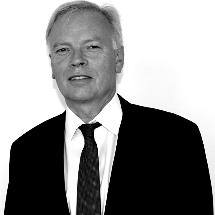Per Bjorgas - Chairman of the Board - Retail specialist with over 30 years experience in business strategy and governance.Previously worked as:Founder and executive Chairman: Bank Brokers.Senior Executive roles: Elkjop and Dixons electrical retailing.Senior Executive roles: Vesta and Skandia insurance.