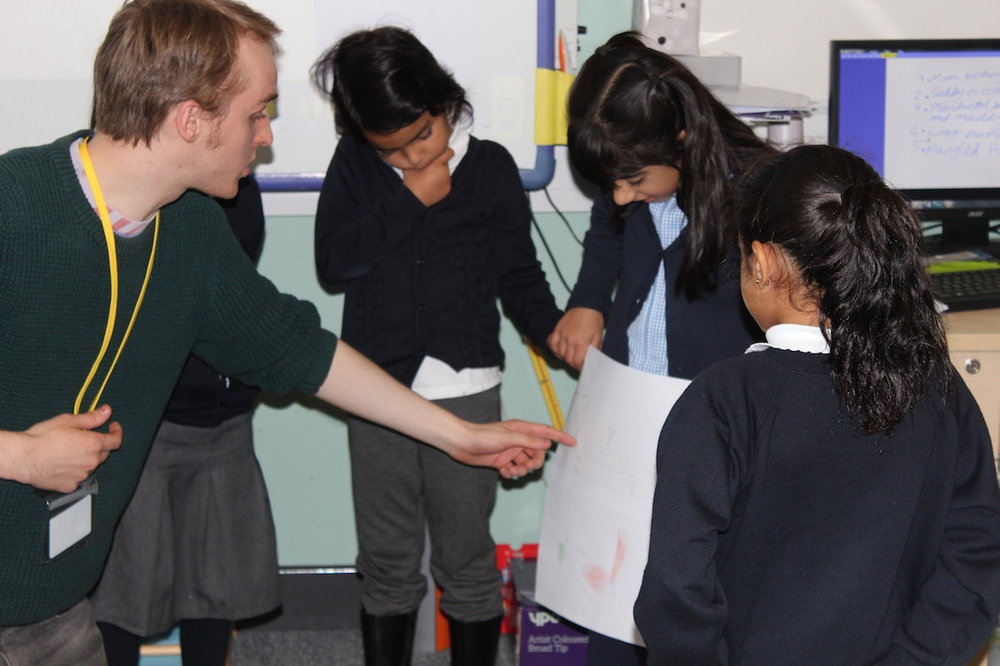Rossie giving a Dekko workshop to P6 class at Colebourne Primary School, Birmingham.