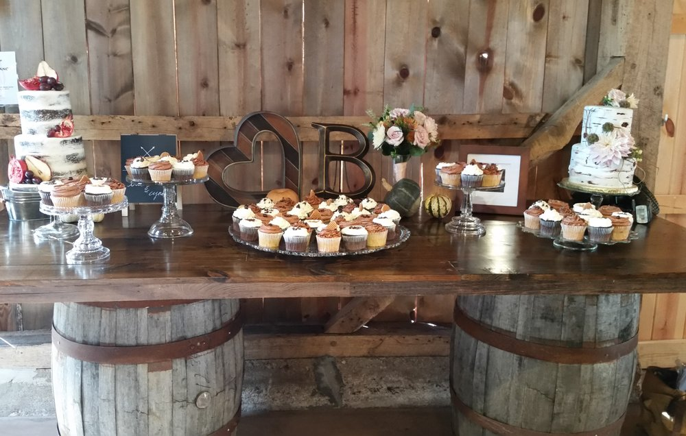 wine-barrel-cake-table.jpg