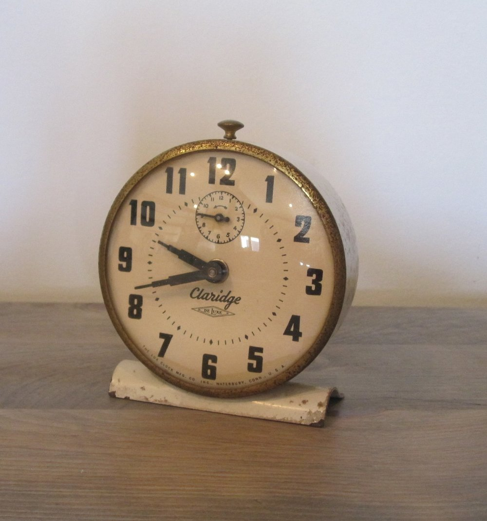 Vintage Alarm Clock - Description ~ don't be late for your party!Quantity ~ 1Rental Price ~ $4