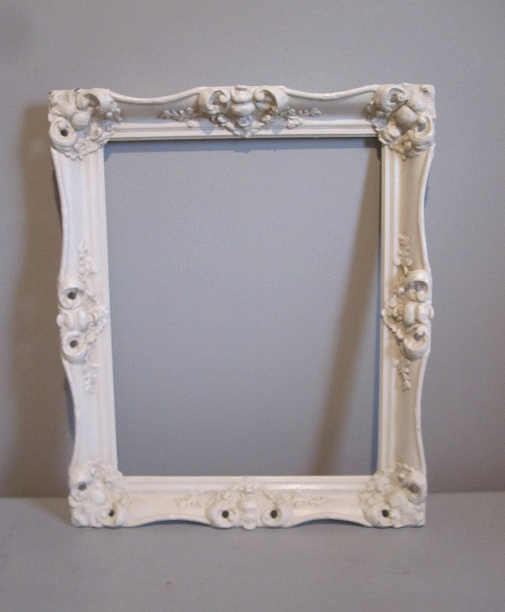 Large Frame - Description ~ large open frame fun to use for photo booth or to frame the coupleQuantity ~ 1Rental Price ~ $8
