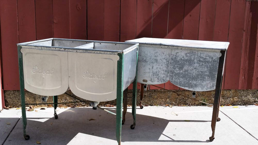 Double Washtub - Description ~ Washtub on wheels with weathered paint accents. Great for drinks on ice! One lid available if using as a displayQuantity ~ 2Rental Price ~ $20, lid $5