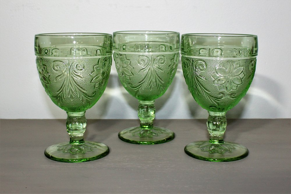 Light Green Goblets - Description ~ light green goblets to serve wine or coordinate with other colorsQuantity ~ 4Price ~ $2
