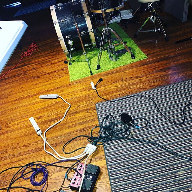 Rehearsal setup is always a fun extension cord puzzle/fire hazard/electrocution risk. We practice in 101 year old house with, um, antique wiring and only 1 electrical outlet in each room. #practicepracticepractice #okcmusicscene #okcmusicians #okmusic