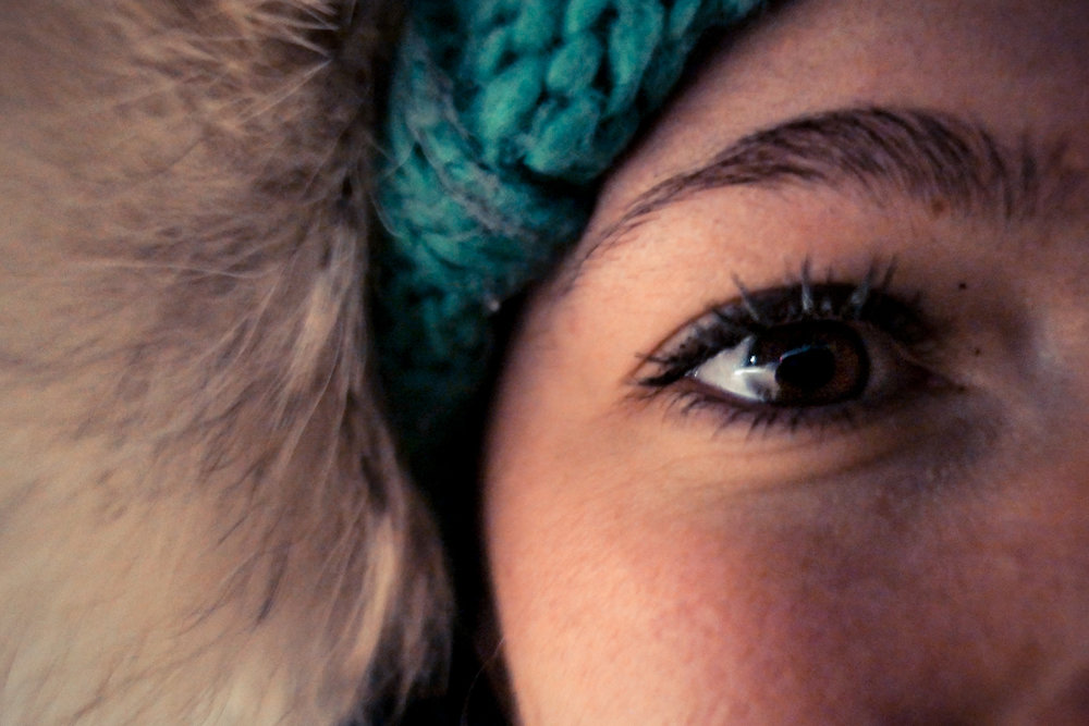 Sisar Hooser's Eyelashes Starting To Freeze