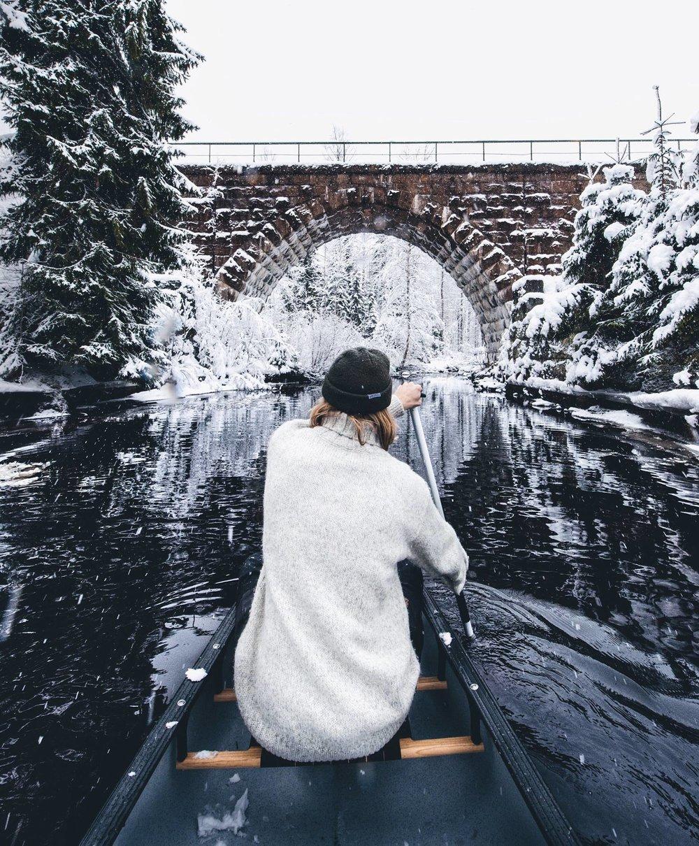 henrik.koskelo.river.winter.canoe.jpg
