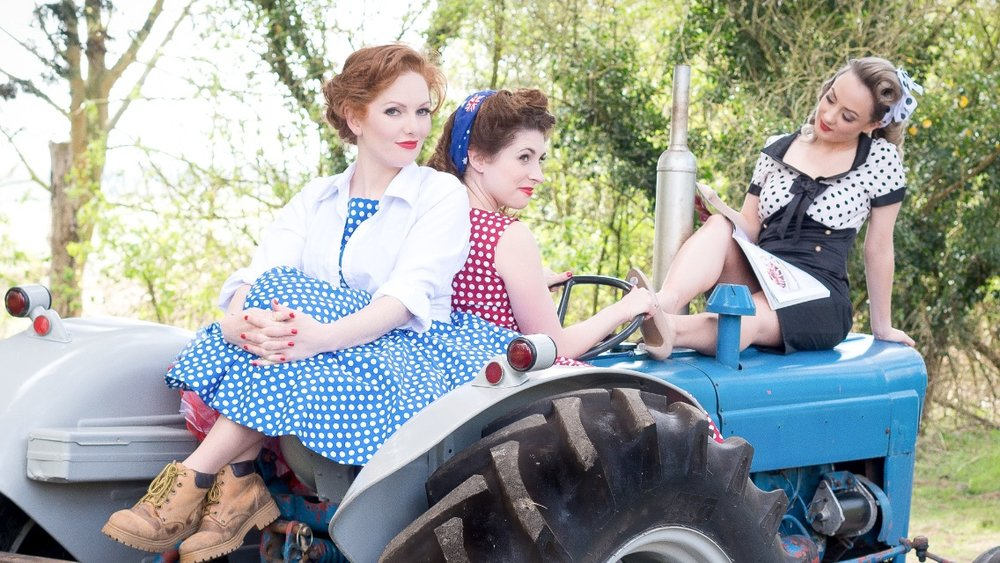 Kara, Ashleigh and Sally  Photo credit: Elizabeth Keates Photography