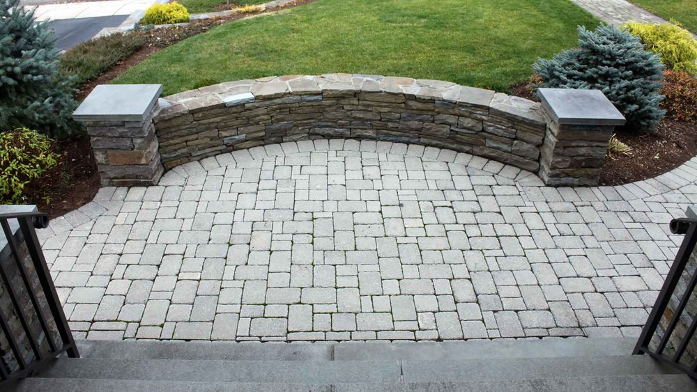 Auburn-Sky-Landcaping-Hardscape-Wall-Front-Patio.jpg