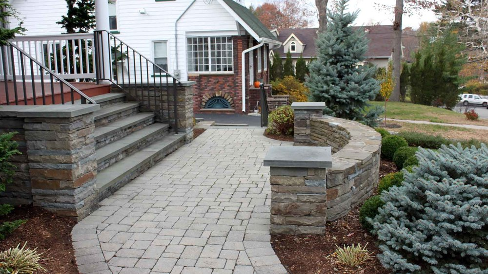 Auburn-Sky-Landscaping-Front-Patio-Steps-Sitting-Wall.jpg