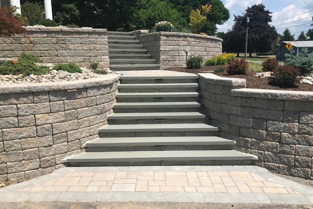 Auburn-Sky-Landscaping-Hardscaping-Lighting-Steps.jpg