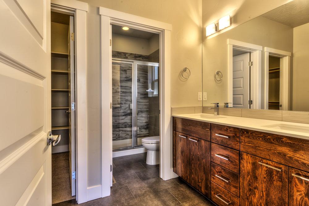 005_master bathroom.jpg