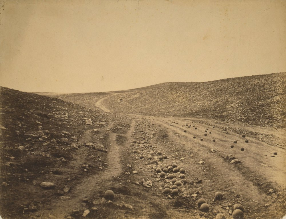 Roger_Fenton_-_Shadow_of_the_Valley_of_Death.jpg