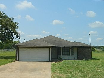 $124,500 314 RED BUD LANE JEWETT, TX 75846