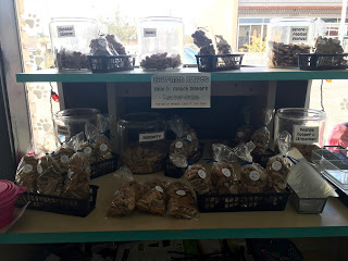 If you prefer to buy your bites in bulk, Stinky Dawg also offers treats that are $0.50/ounce, or a pre-selected bag of treats in a variety of flavors for $3.