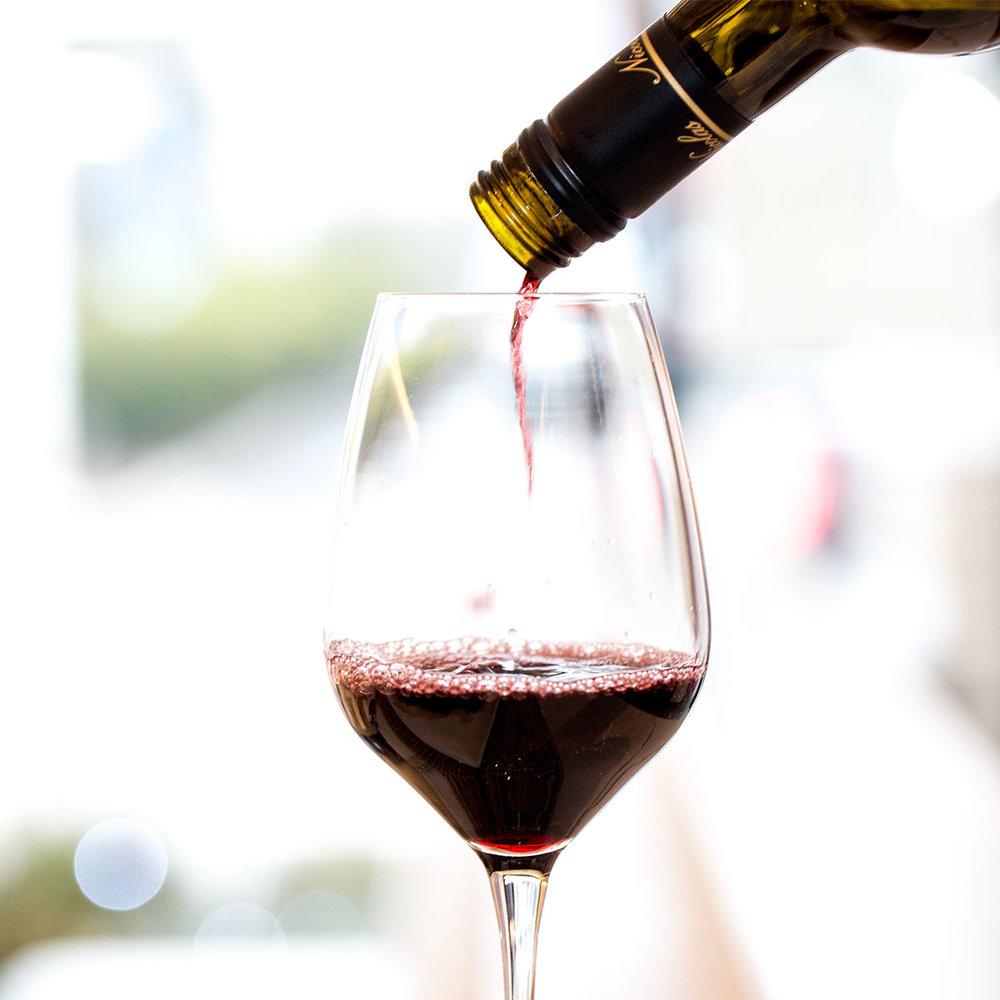 1200x1200-wine-pour-getler-39613869850.jpg