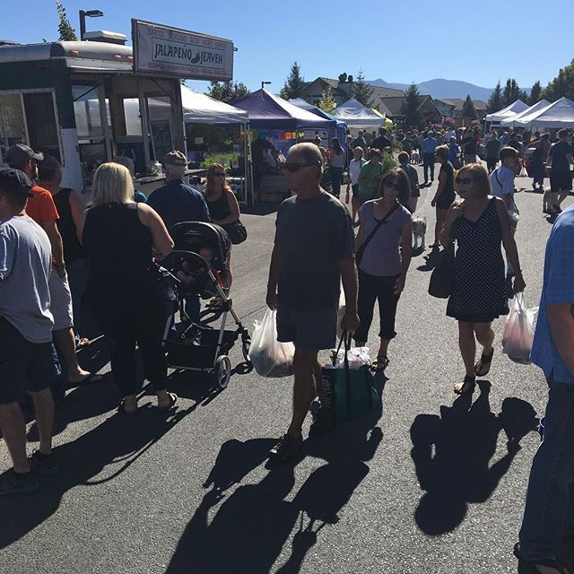 Lots of people at the market today enjoying the sun enjoying family and friends come on down and share in the fun #FarmersMarket #BuyLocal #PieFestival