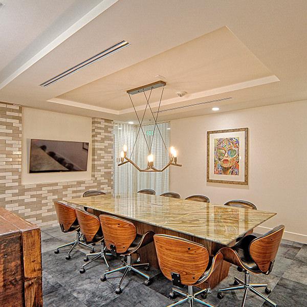 13_Meeting_Room_cropped.jpg