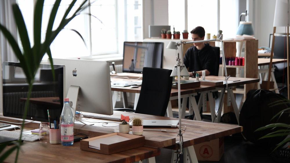 6 Benefits of Coworking Spaces.jpg